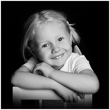 Børne Fotograf Børne Portræt Babyfotografering hos Birgit Skou Fotografering i Aarhus Viby