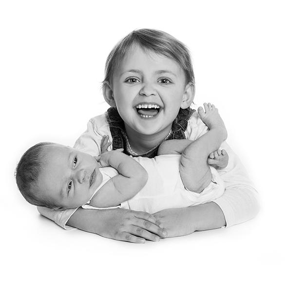 Fotograf i Aarhus Viby Birgit Skou Fotografi Børne portræt Newborn Baby Familie Gruppe portræt
